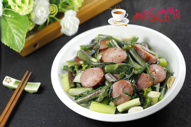 红肠炒菜薹成品图