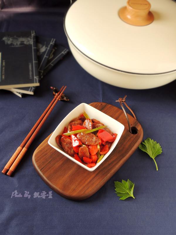 芹菜炒香肠成品图