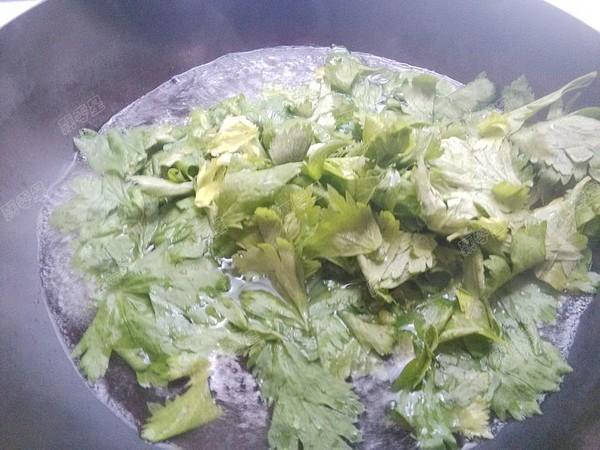凉拌芹菜叶的家常做法
