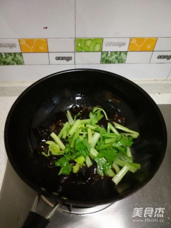 木耳豆腐小炒怎么吃