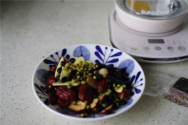 五味袪湿茶的家常做法