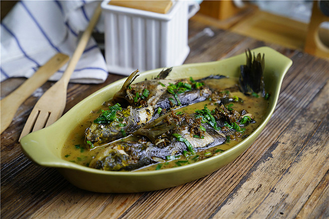 芽菜黄刺鱼成品图