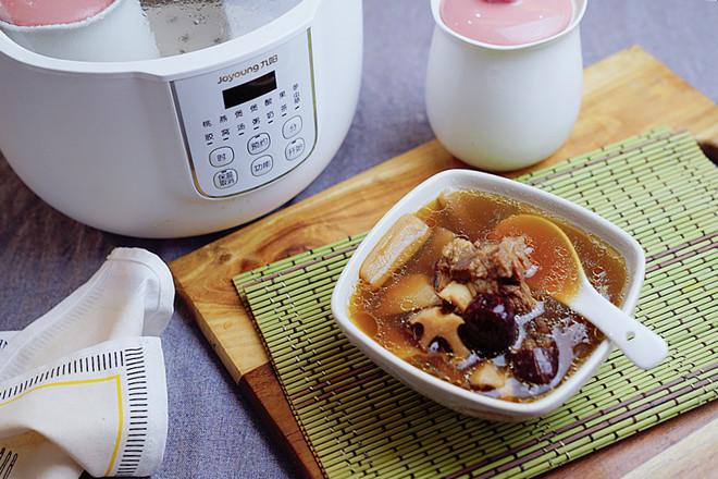 莲藕红枣牛骨汤怎么做
