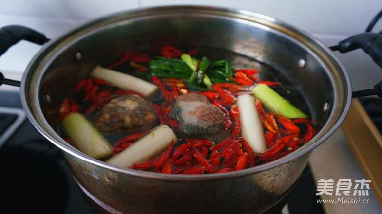 香辣卤猪蹄之卤水制作怎样煮