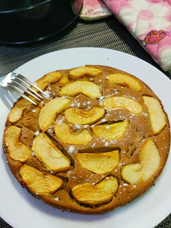 无油肉桂红糖苹果蛋糕成品图