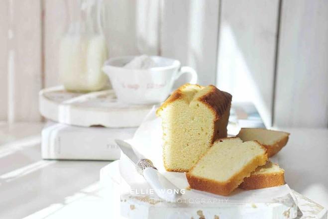 香草杏仁磅蛋糕成品图
