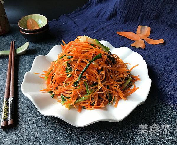 青蒜炒胡萝卜成品图