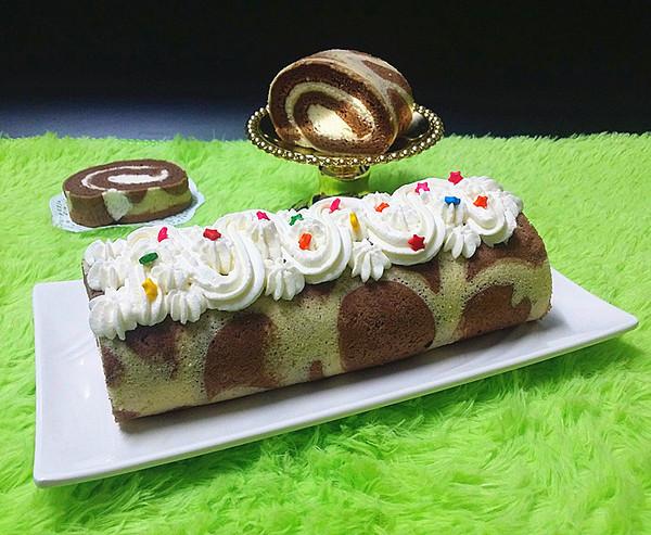 可可花奶油蛋糕卷成品图