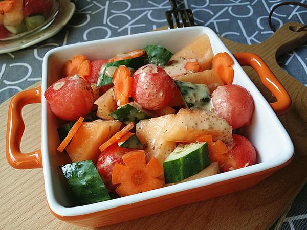 果蔬沙拉成品图