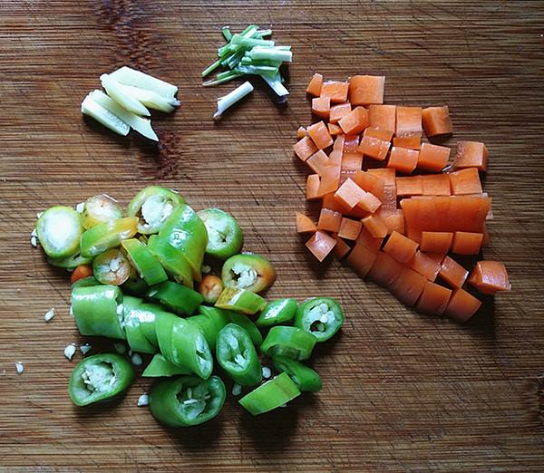 杭椒毛豆米小炒肉的做法图解