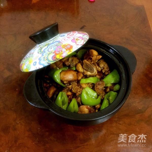 美味秘制黄焖鸡成品图