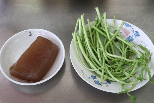 藜蒿炒魔芋豆腐的做法大全