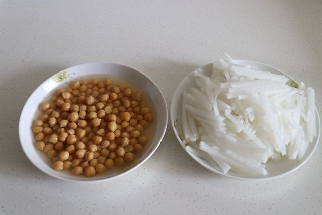 萝卜鹰嘴豆汤的做法大全