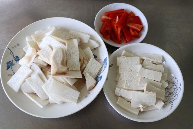 豆腐炒杏鲍菇的做法图解