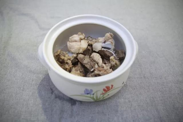 冬季养生-玉米猪骨汤的简单做法
