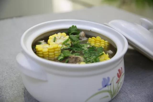 冬季养生-玉米猪骨汤成品图
