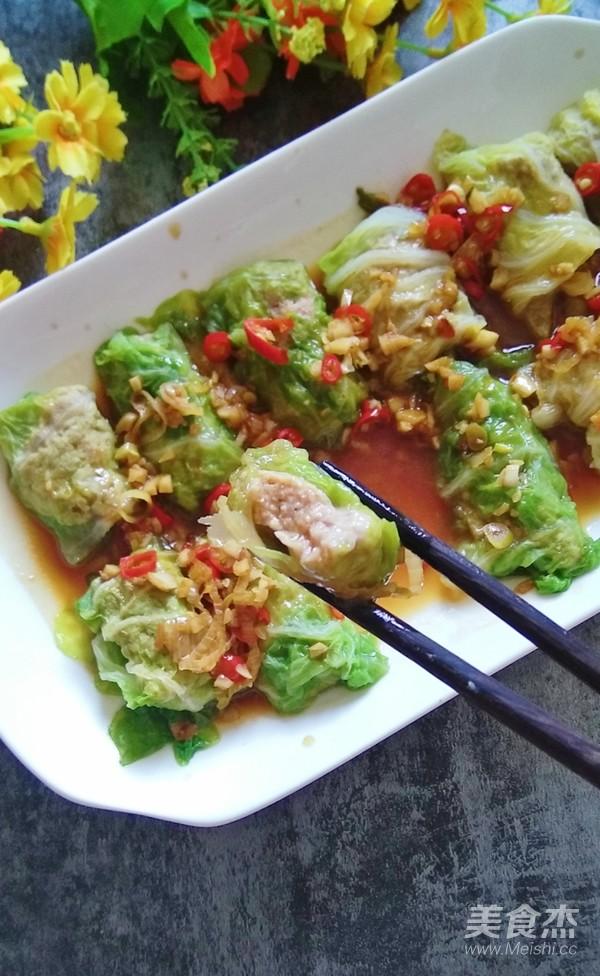 香辣白菜卷肉成品图