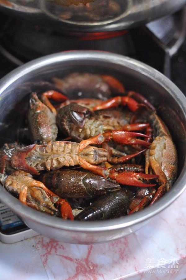 蒜香油泼小龙虾的做法图解