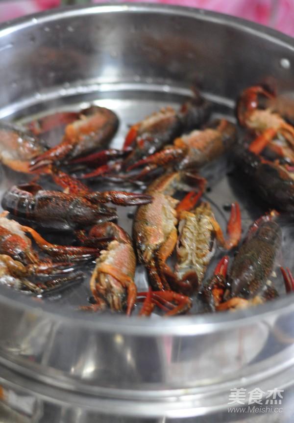 蒜香油泼小龙虾的简单做法