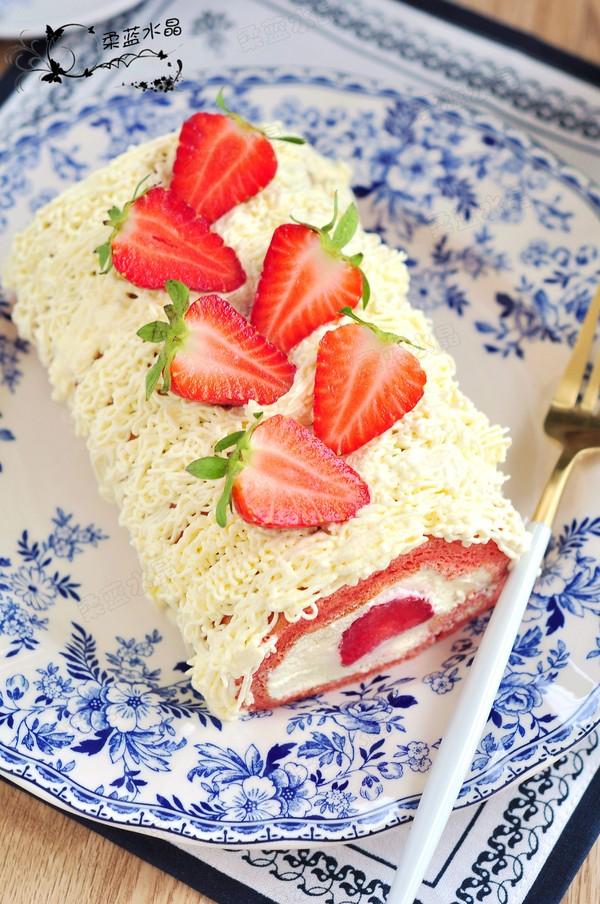 草莓蛋糕卷成品图