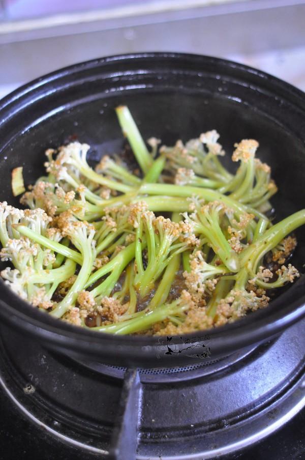 干锅皮皮虾怎么吃
