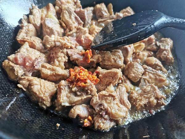 锅边馍馍—排骨烧毛豆怎么煮
