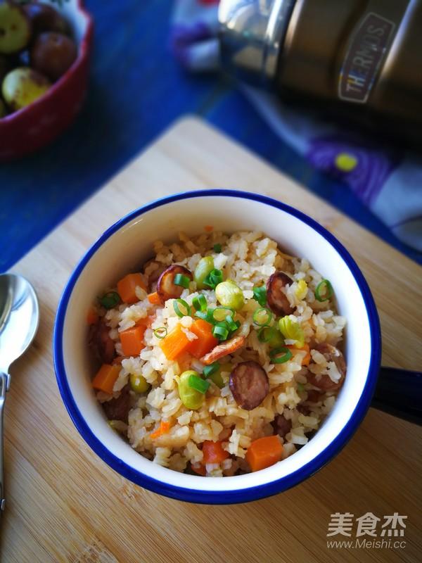 腊肠焖饭成品图