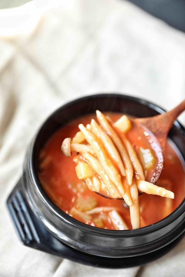 酸汤莜面鱼鱼成品图