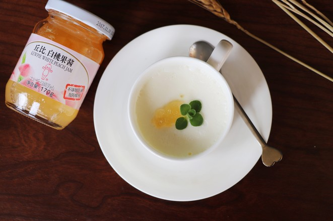 白桃果味双皮奶丘比果酱成品图