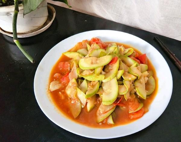 西红柿炒西葫芦成品图