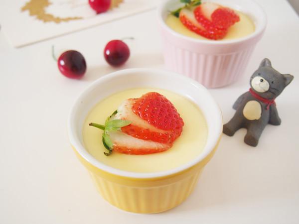 草莓牛奶布丁成品图