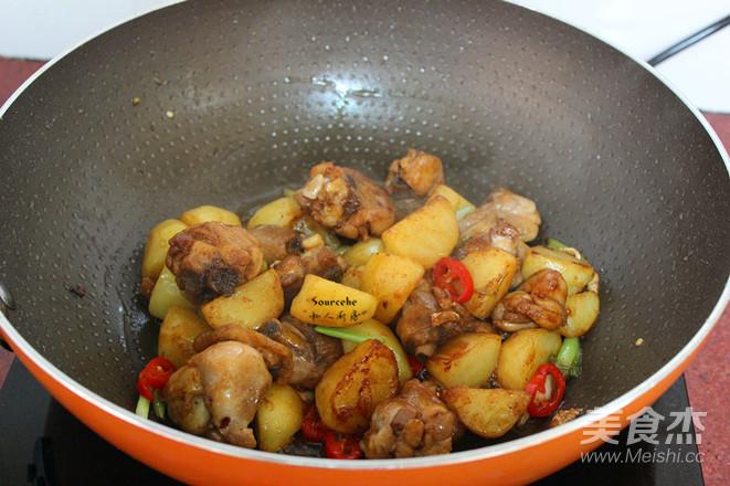土豆焖鸡腿怎么炒