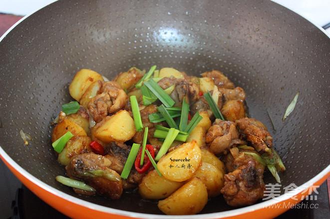 土豆焖鸡腿怎么煮